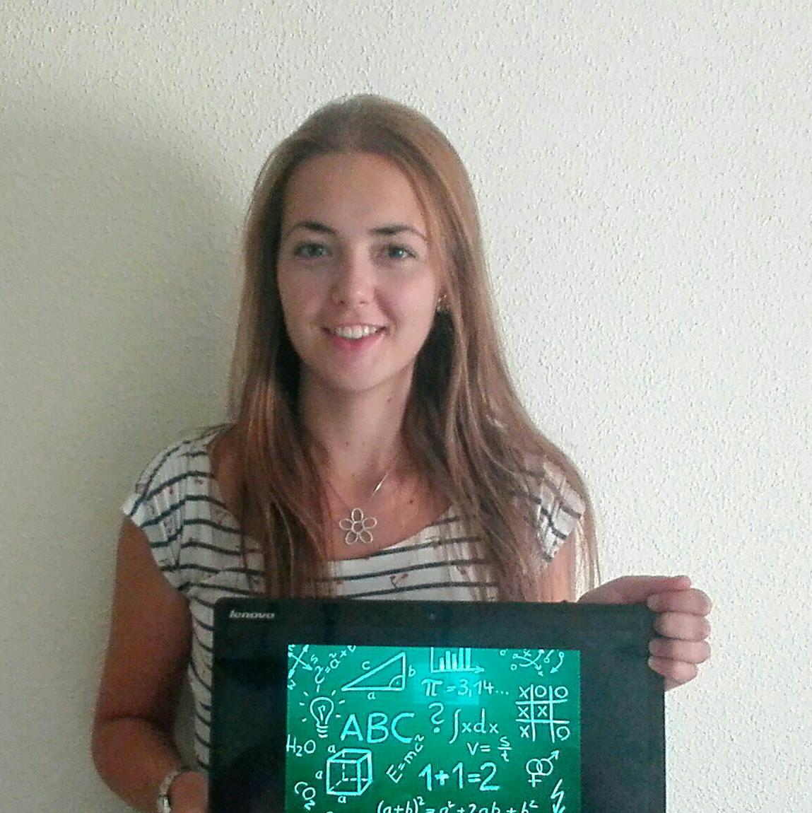 Ángela (Profesora de Ciencias)